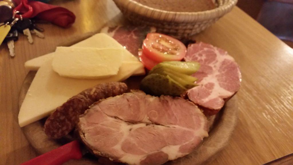 チロル地方の典型的な7つの前菜