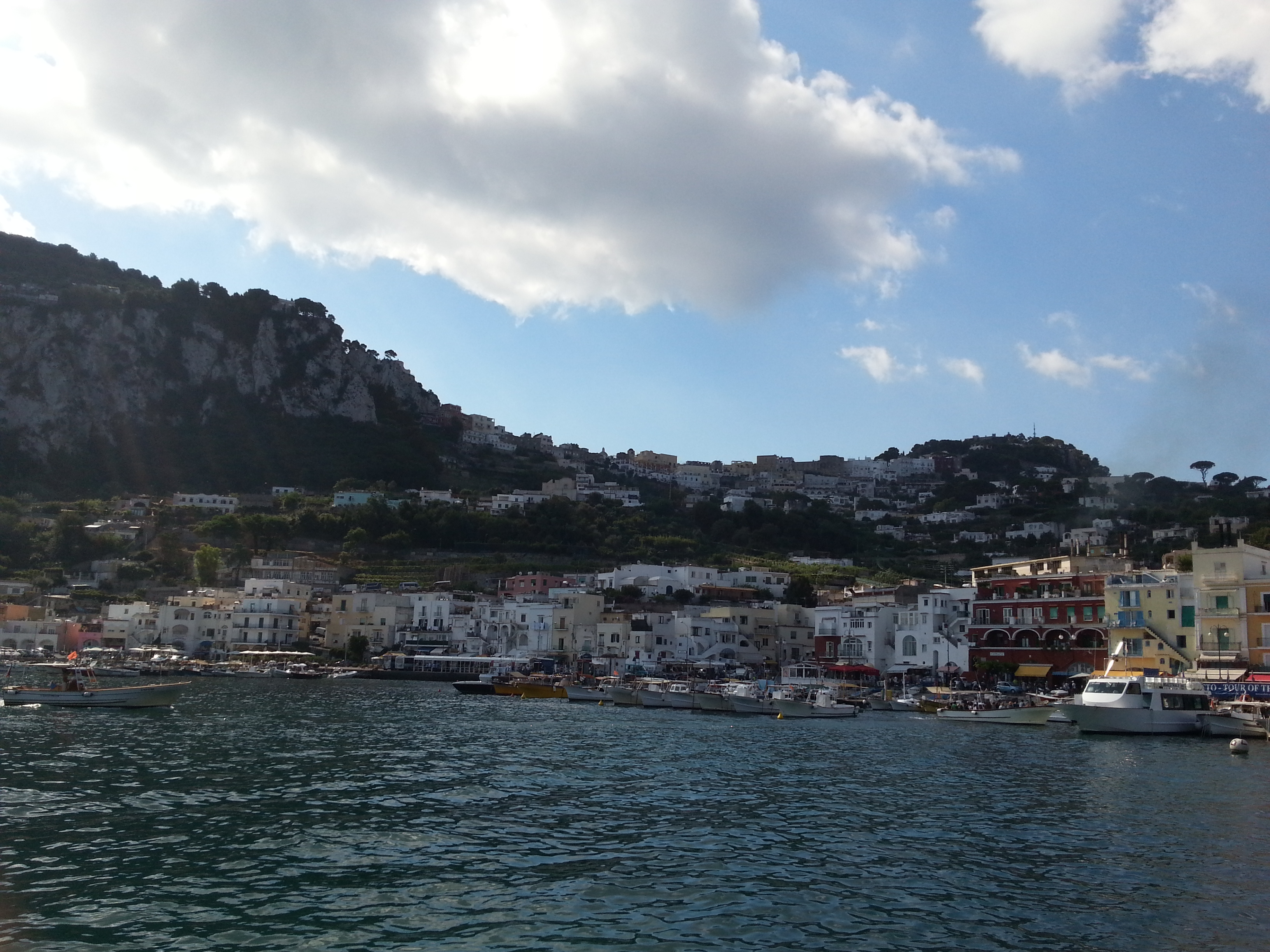 イタリア一人旅:ナポリからカプリ島へ