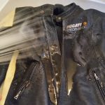 今日のぽちり:サドルソープでレザージャケットを水洗いしてみた