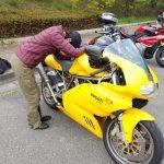 SS900:ツーリング中緊急事態!バイクをレッカー車搬送!