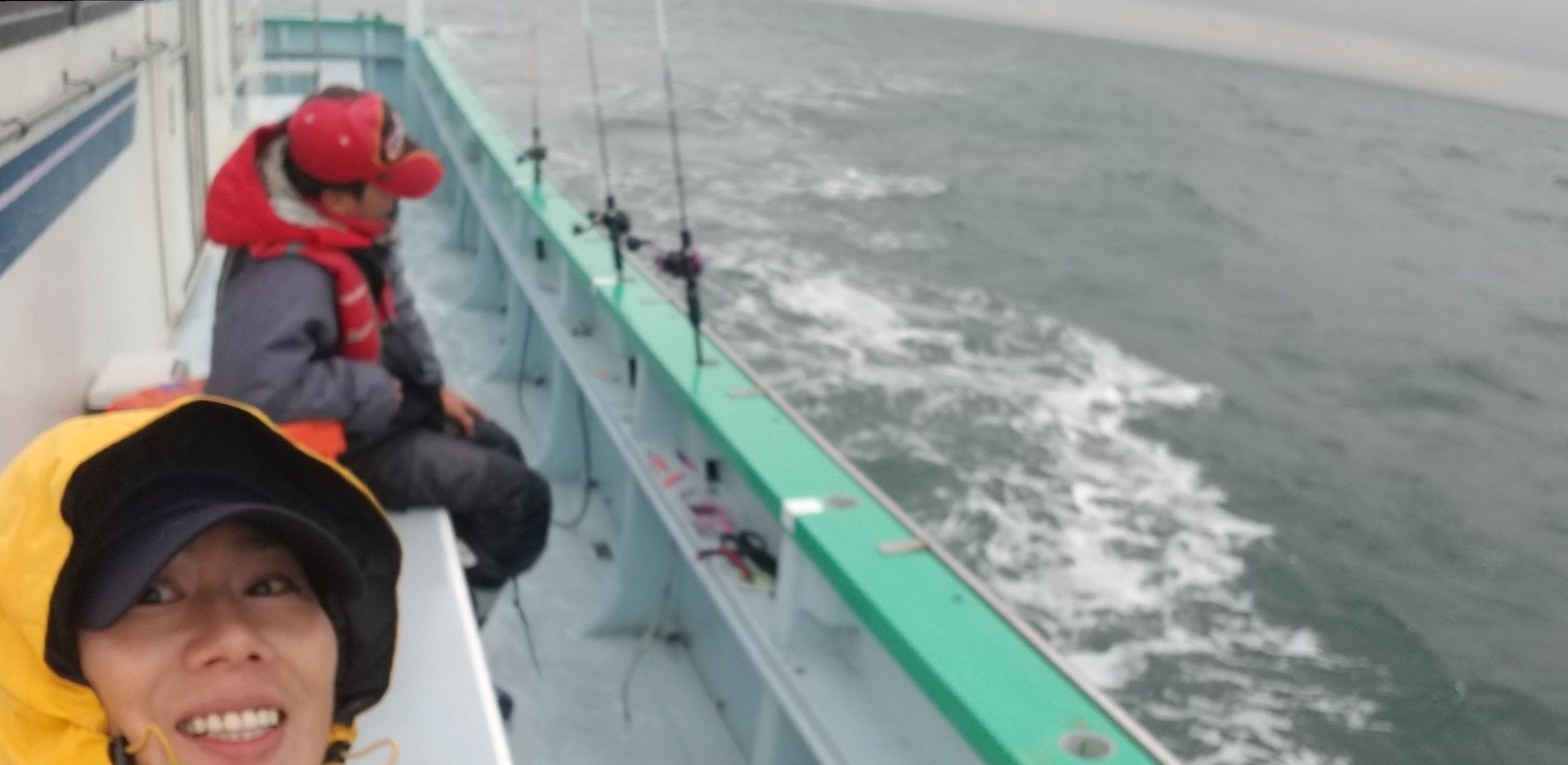 太刀魚:冬の雨のこなや丸 難しい釣りでした