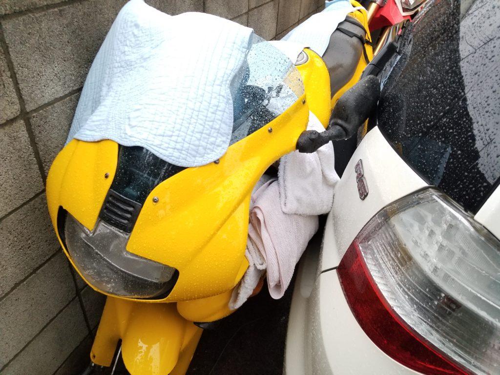 台風 バイク 転倒対策